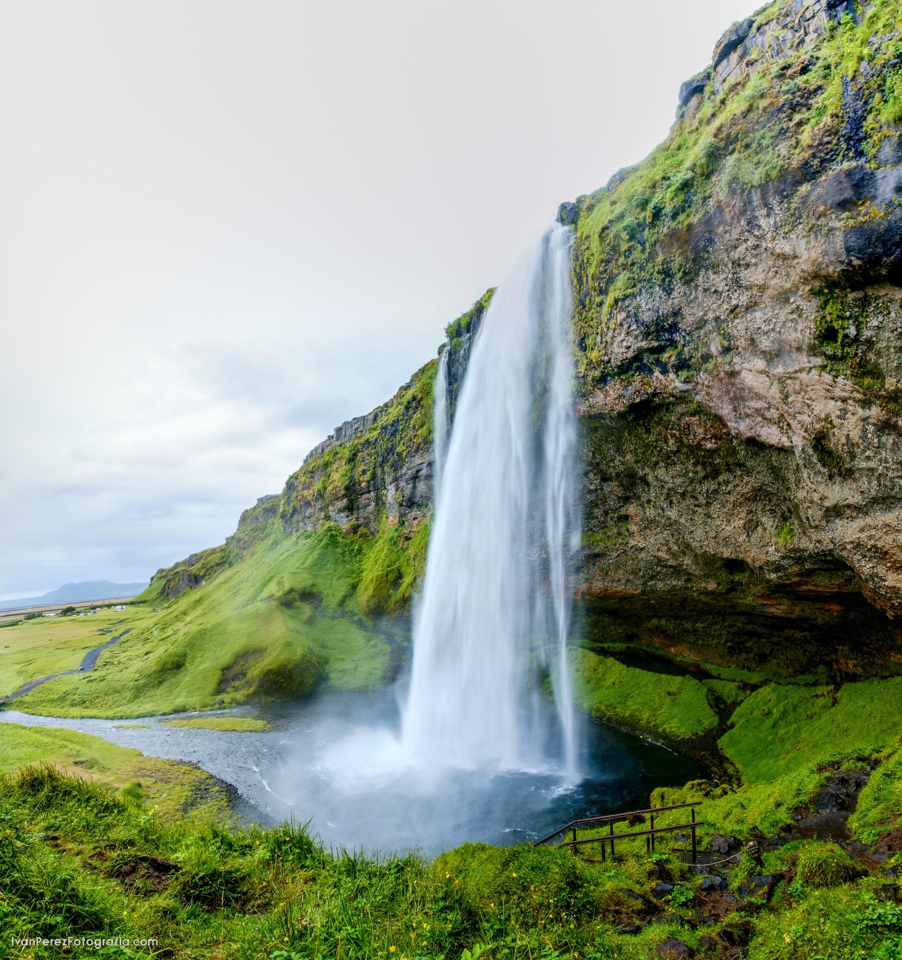 ISLANDIA-98